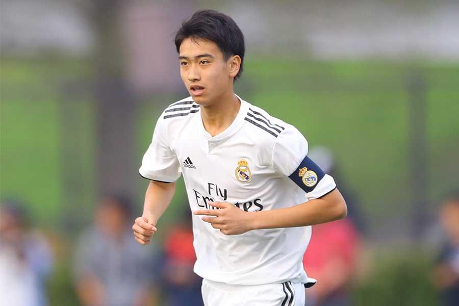 サッカー:中井卓大選手